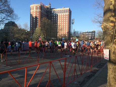 cox rhode races marathon start.jpg